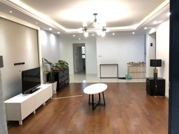 Jing'an,3brs,nearL7changping rd station,only 16k