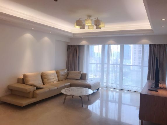 High quality spacious 3 bedroom apt South Shaanxi lu