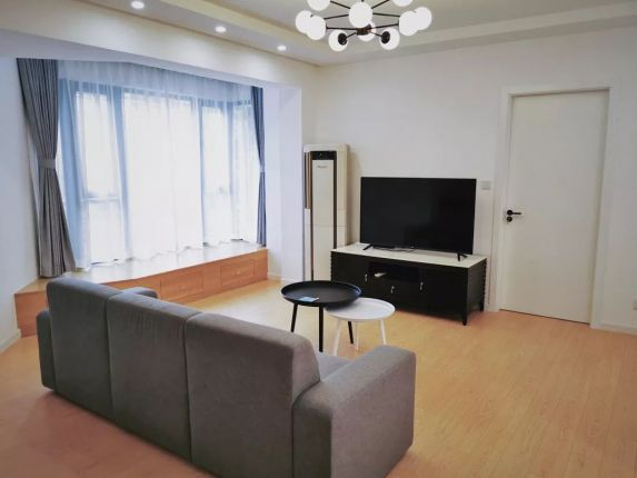High quality 2 BR at Xujiahui, line 1/11/9