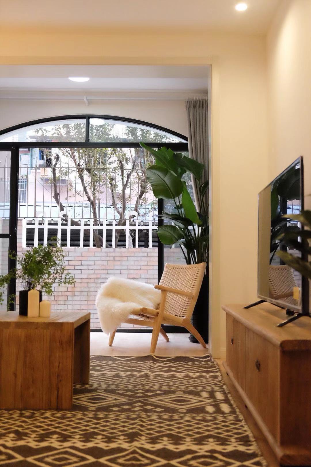Yanping rd 3br with yard/Jing'an temple