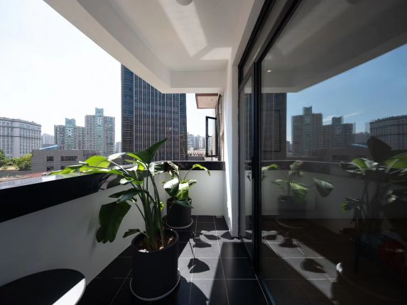 Elevator 2brs ,nearL7 changping rd station,only18k