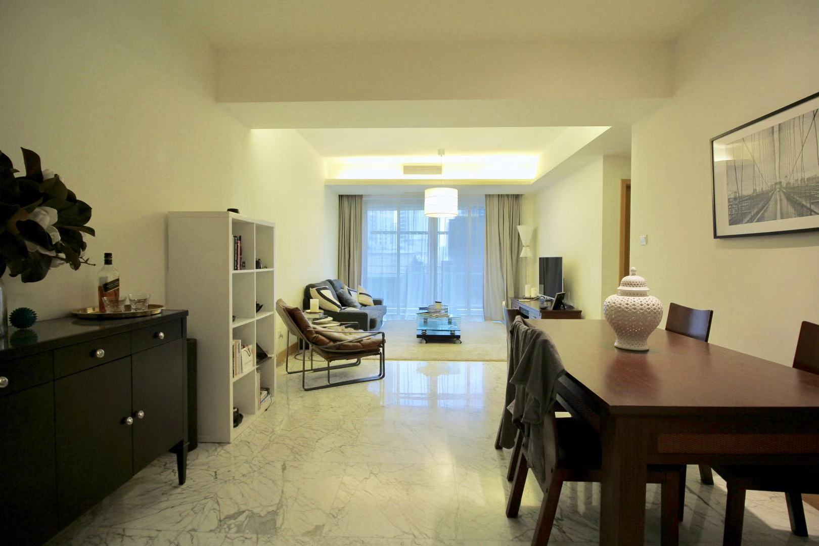 Decent 2br in Jingan 4 seasons Near West nanjing road of line 2/12/13&HKRI