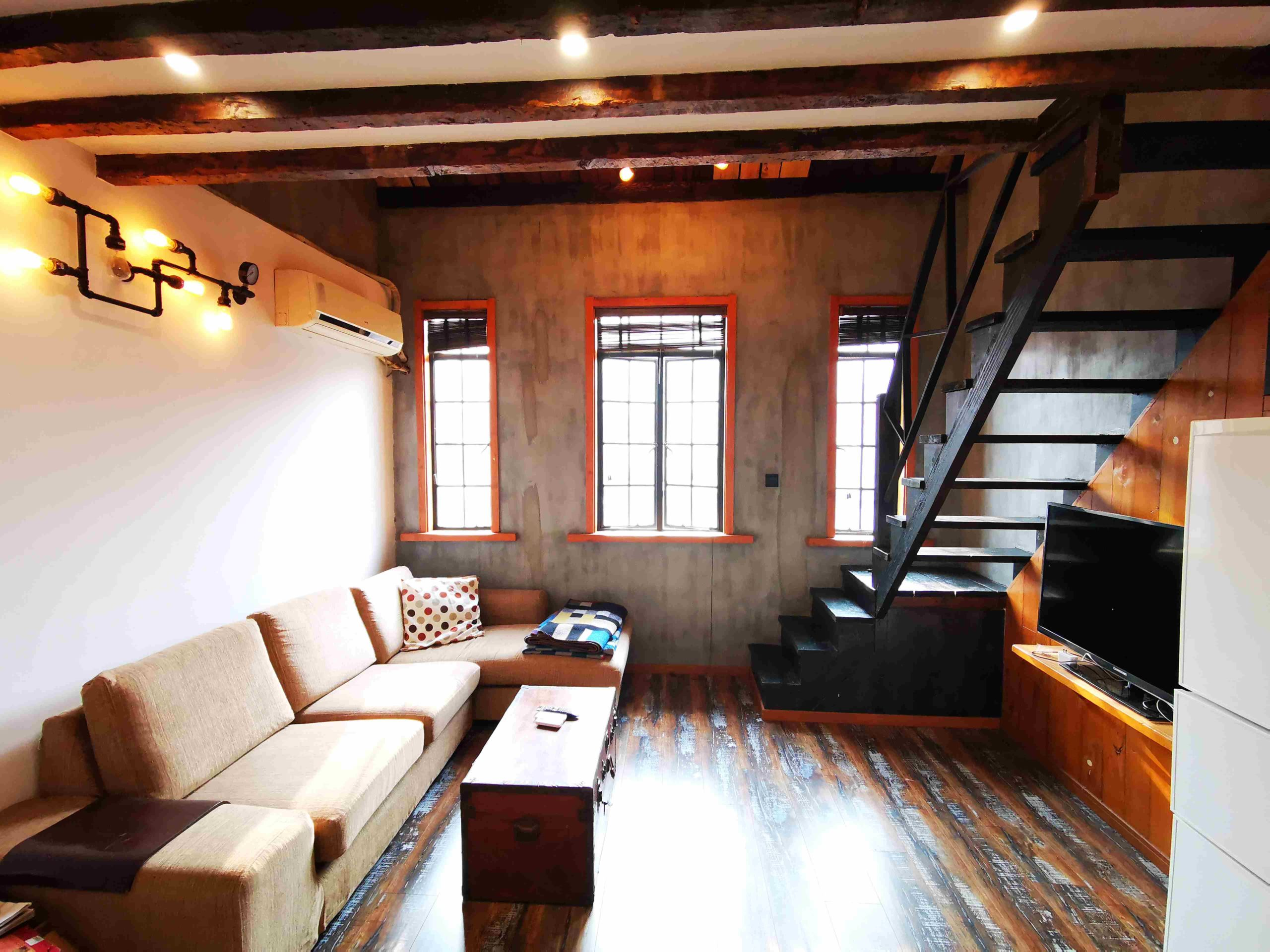 Very nice old lane house Jingan Villa Near West Nanjing Rd
