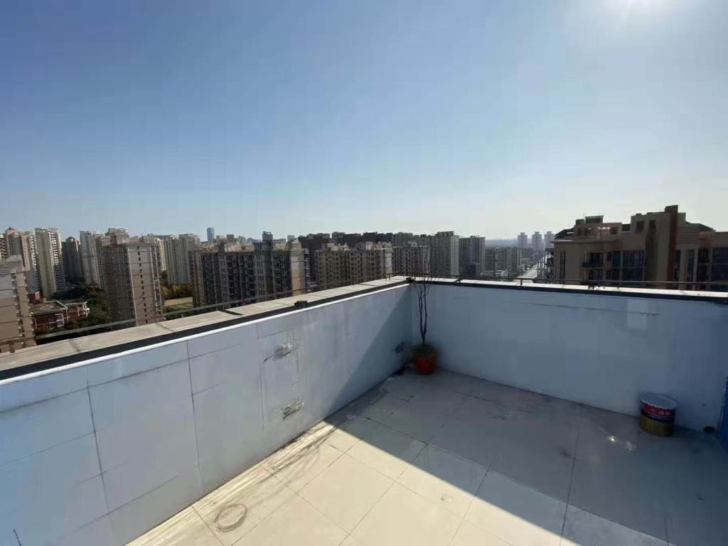 1br&Terrace Near Weining Rd Line 2 Changning