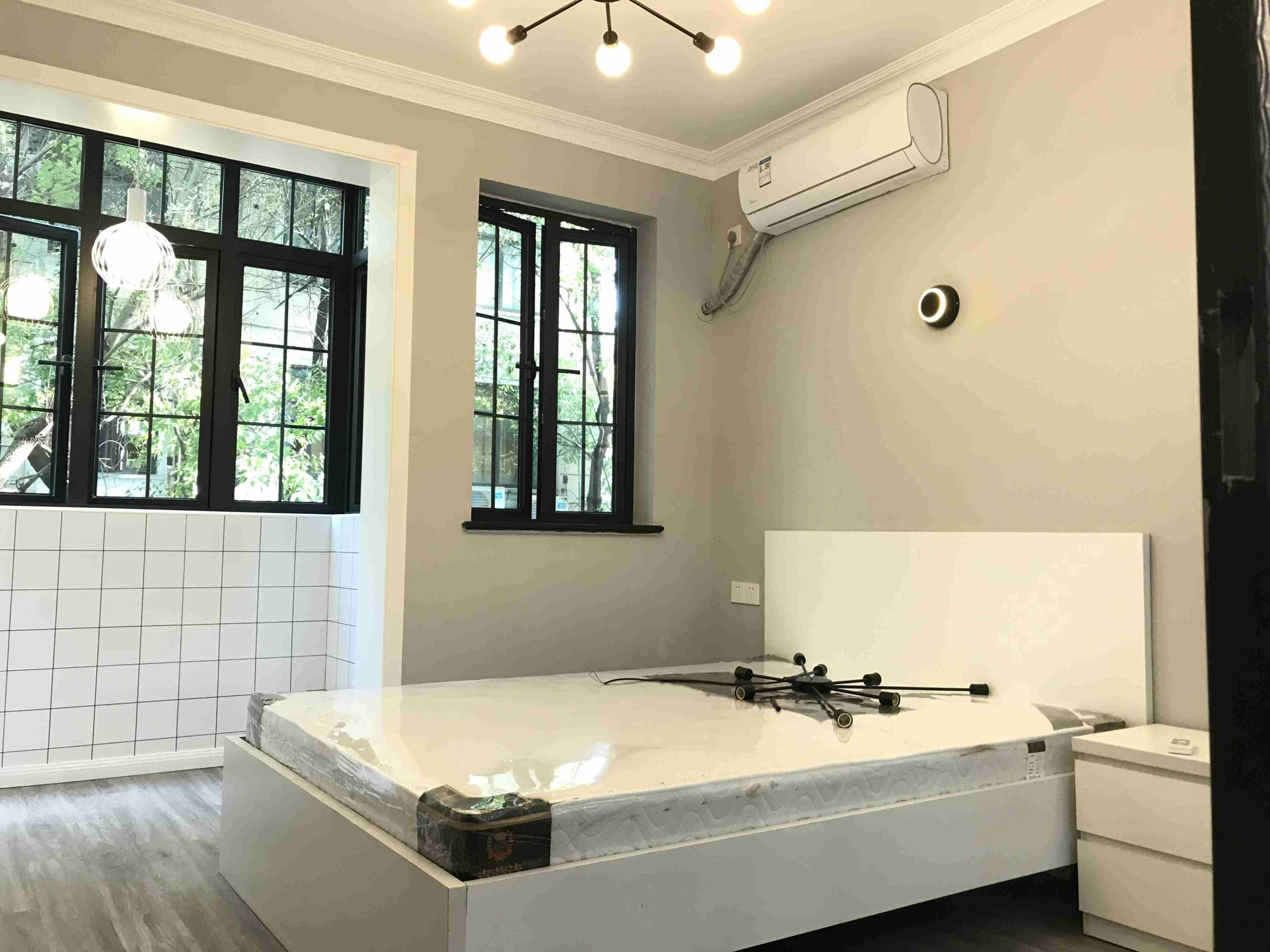 Newly Studio in a Clean old lane house&West Nanjing Rd