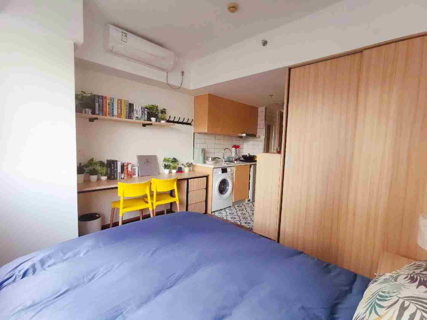 Clean and Safe studio Near shanghai Train Station